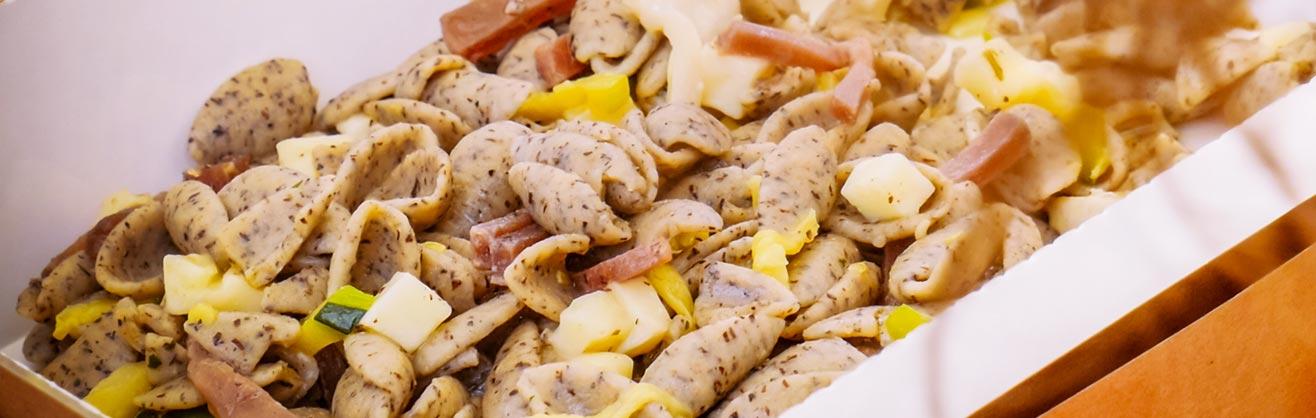 Pic nic with wine tasting with italian buckwheat pasta